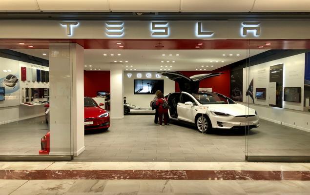 Will Tesla's (TSLA) Model 3 Bolster Q3 Earnings?