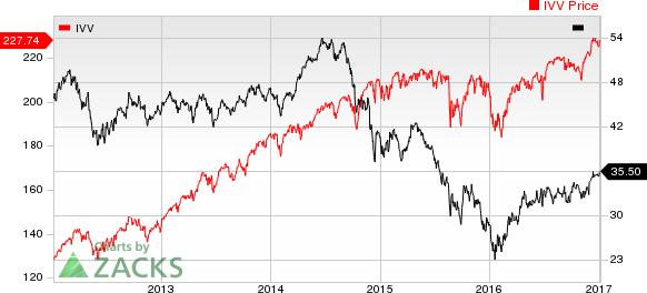 U.S. Crude Supplies Slump but Fuel, Cushing Stocks Soar