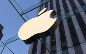 Top Analyst Reports for Apple, P&G, Deere & Others